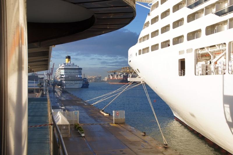 Unser Schiff machte fest und sofort machten wir uns auf den Weg. Die Zeit in Barcelona ist von MSC meist recht kurz bemessen.