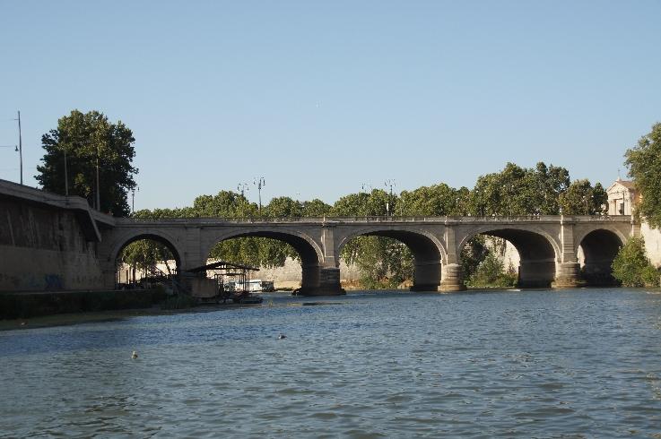 4. Ponte Cavour