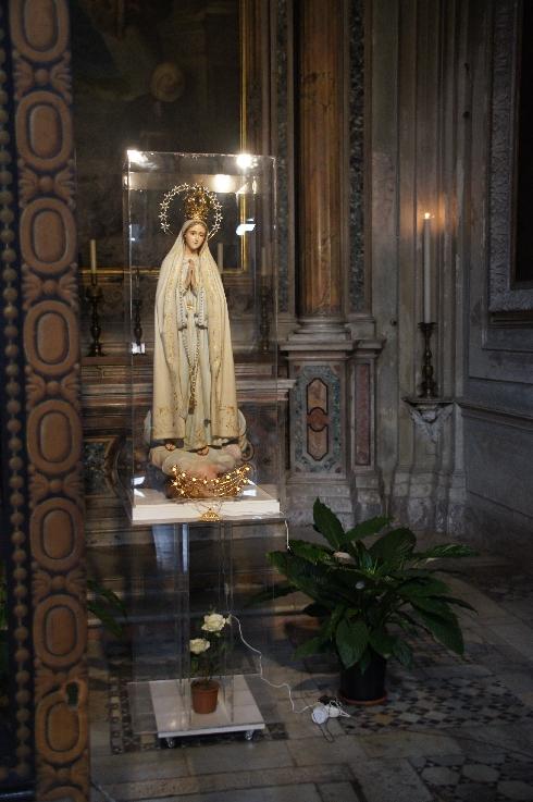 Maria mit Strahlenkranz