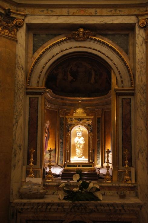 Santo Bambino, Statue in der Kirche Santa Maria in Aracoeli