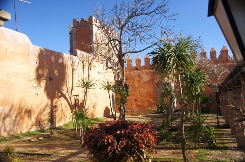 Die Mauern der Medima. Die ummauerte Stadt ist voller Leben.
