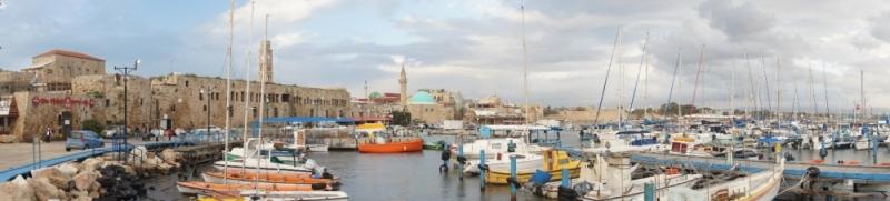 Der alte Hafen von Akko war sehr farbenfroh. Auch hier sah man den Orient sofort. Hier ein schönes Panorama