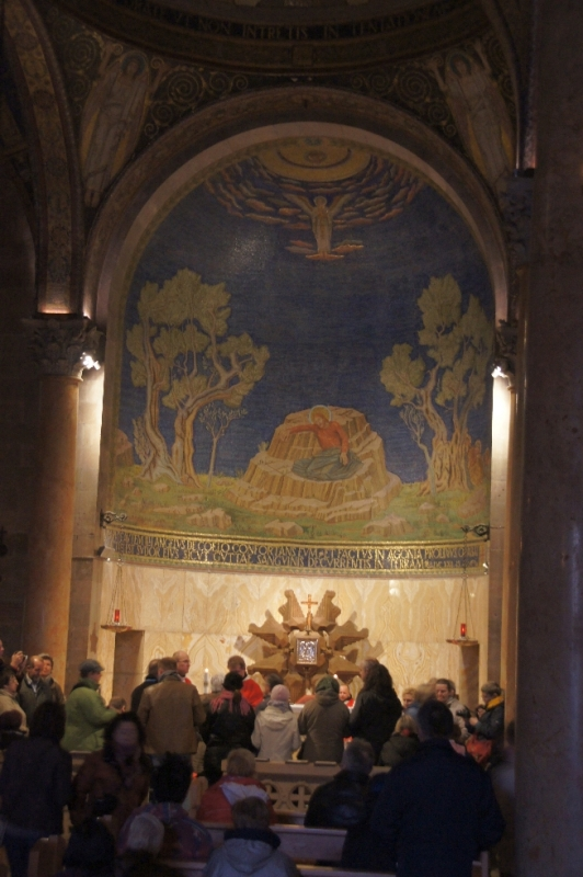 Hinten der Stein, auf dem Jesus vor der Festnahme betete