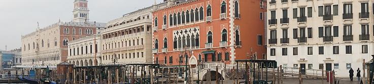 Panorama der Seeseite Venedigs