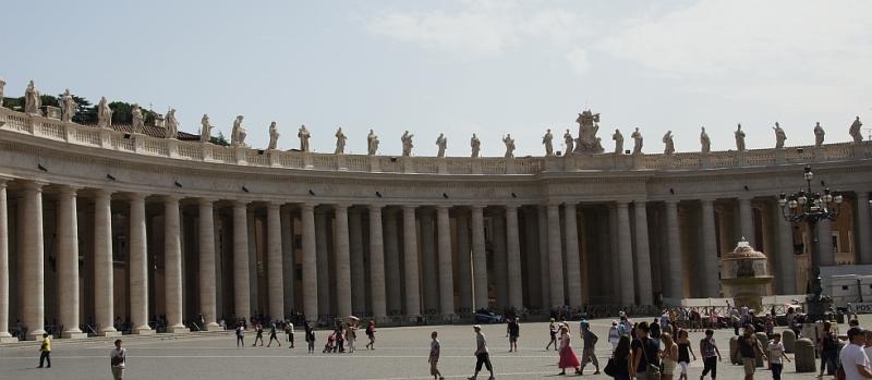 Kolonnaden Petersplatz
