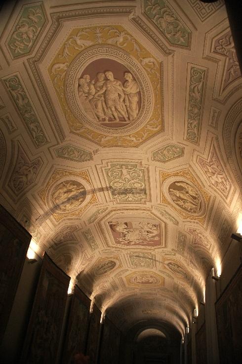 Deckenfresken in der Galleria degli Arazzi