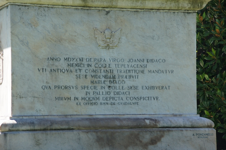 Erläuterungen auf dem Monument selber