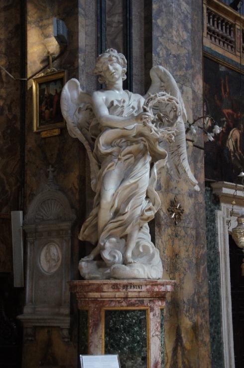 Engel hält die Dornenkrone