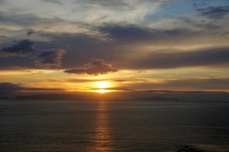 Sonnenaufgang bei der Hafeneinfahrt