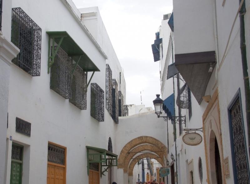 Ramadan Bey ist ein Platz in der Medina von Tunis. Er trägt den Namen von Romdhane Bey, früherem Herrscher.