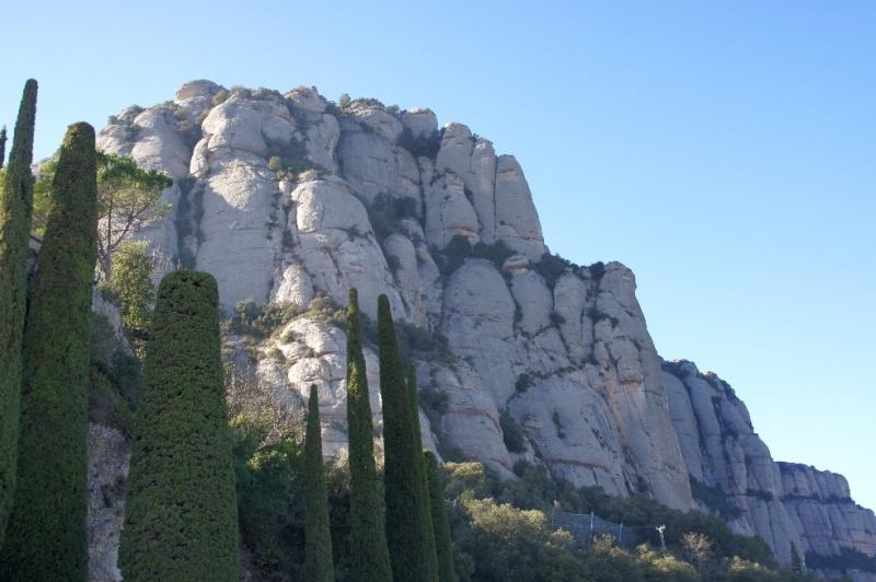 Schon die Anfahrt war extrem furchteinflößend, ging es doch über viele Kilometer in extremster Steigung und Serpentinen den Berg hoch.
