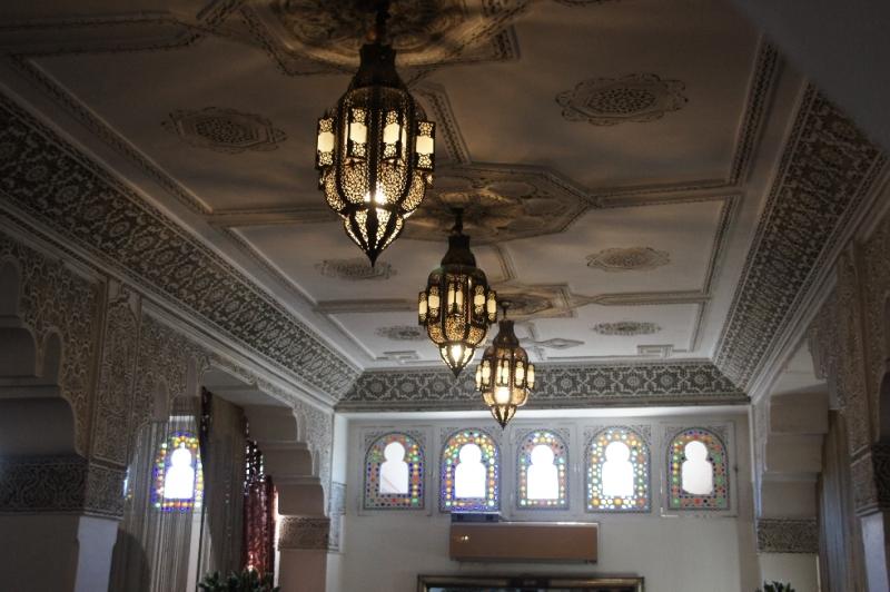 Innen im marokkanischen Stil gestaltet.
