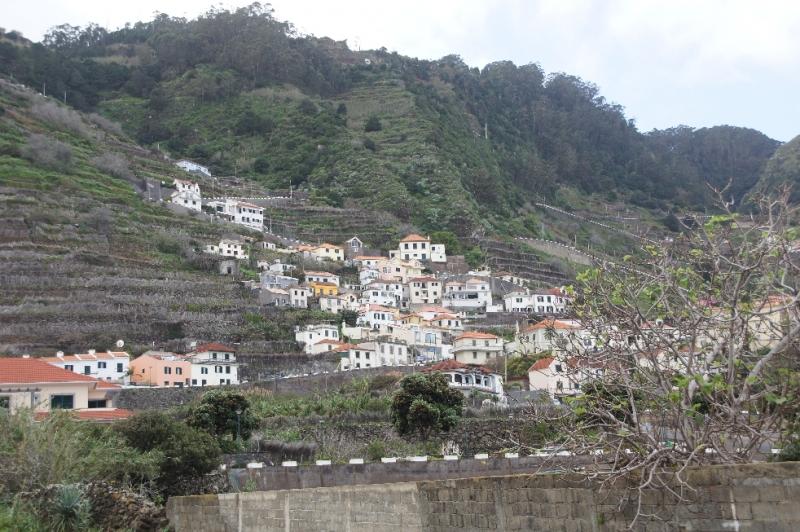 Die Stadt Porot Moniz ist benannt nach dem portugiesischen Adligen Francisco Moniz.