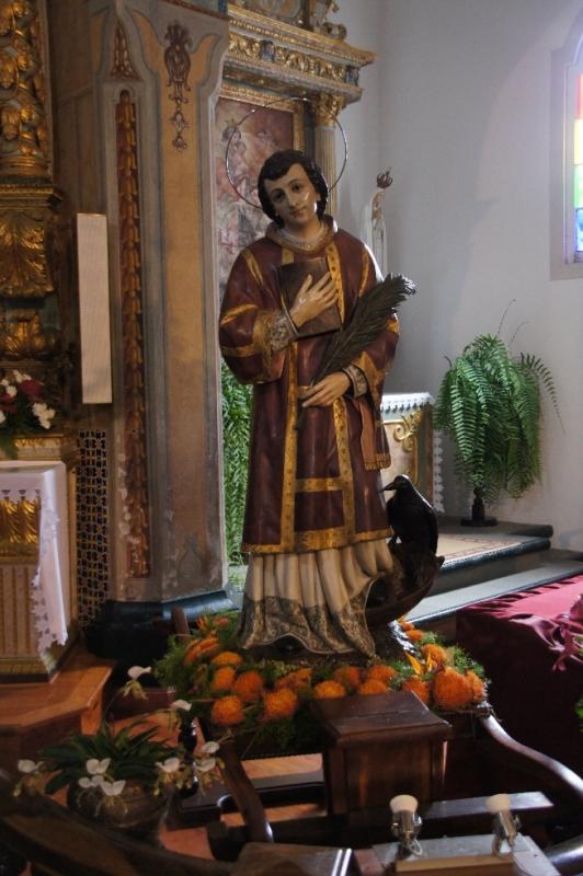 Es heißt, dass der Heilige Vincentius von Valencia, dessen Leichnam mit einem Mühlestein beschwert und ins Meer geworfen wurde, hier ans Ufer trieb und bestattet wurde.