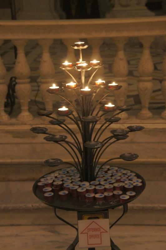 Die obligatorische Kerze für die Lieben daheim, wurde natürlich auch in dieser Kathedrale angezündet.