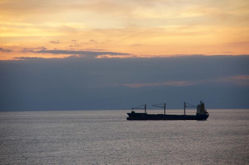 Nach der unerfreulichen Geschichte nun ein wunderschöner Sonnenuntergang über dem Mittelmeer.