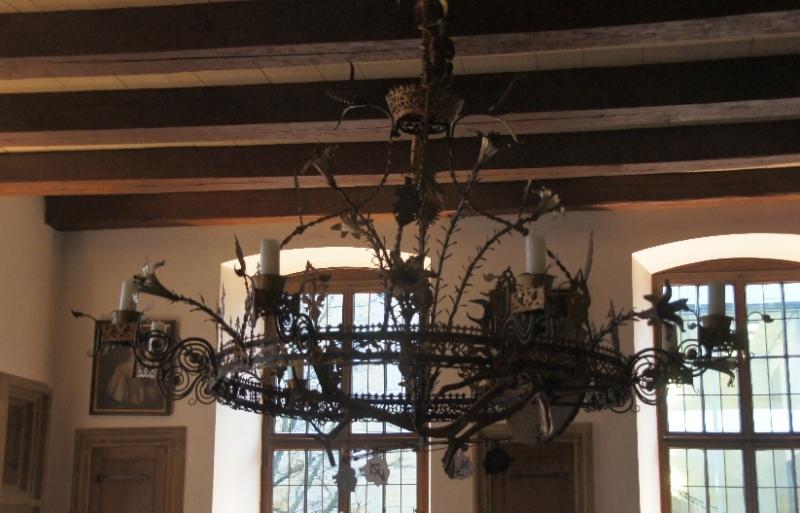 Der große Leuchter im Friedenssaal des Rathauses