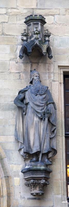 Statue am Osnabrücker Rathaus Friedrich I. Barbarossa